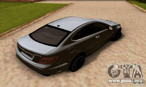 Mercedes-Benz C63 AMG para vista inferior GTA San Andreas