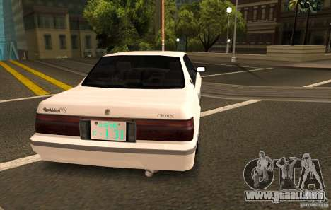 Toyota Crown S130 para GTA San Andreas left
