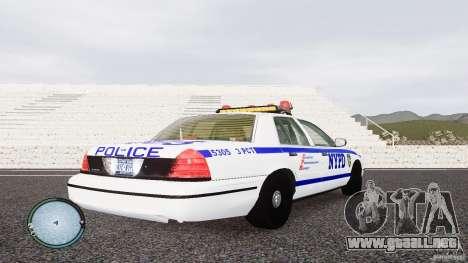 Ford Crown Victoria 2003 NYPD para GTA 4 visión correcta