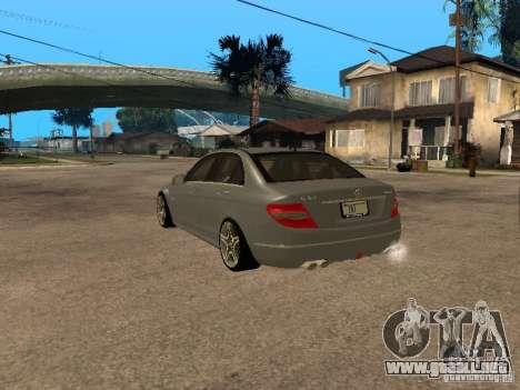 Mercedes-Benz C63 AMG para GTA San Andreas left