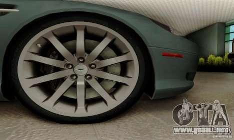 Aston Martin DB9 para GTA San Andreas vista posterior izquierda