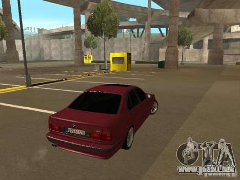 BMW E34 M5 para GTA San Andreas left