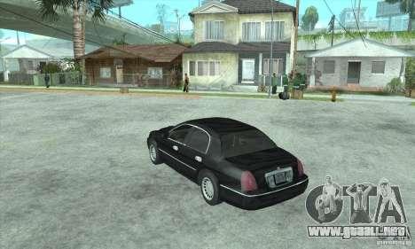 Lincoln Town Car 2002 para GTA San Andreas left