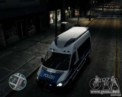 Mercedes Sprinter German Police para GTA 4 vista interior