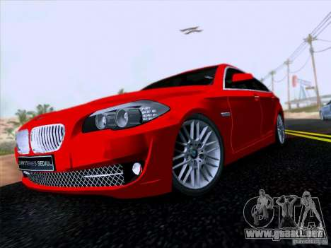 BMW 550i 2012 para GTA San Andreas left