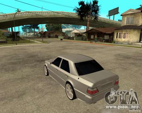 Mercedes-Benz W124 E500 95 para GTA San Andreas left