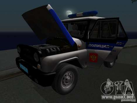 Policía 315195-UAZ Hunter para vista lateral GTA San Andreas
