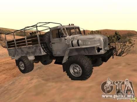 Ural-43206 invierno Camo para la visión correcta GTA San Andreas