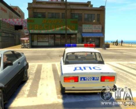 Policía Vaz 2105 para GTA 4 Vista posterior izquierda