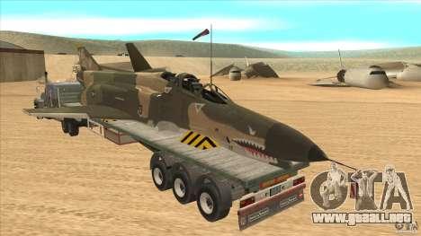 Flatbed trailer with dismantled F-4E Phantom para GTA San Andreas vista posterior izquierda