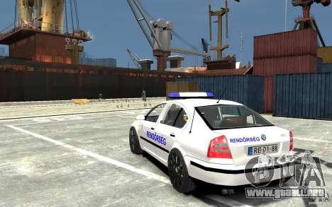Skoda Octavia 2005 Hungarian Police para GTA 4 Vista posterior izquierda