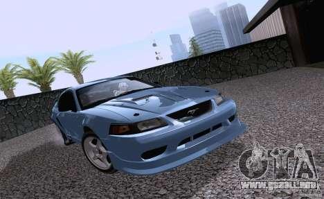 Ford Mustang SVT Cobra 2003 White wheels para GTA San Andreas left