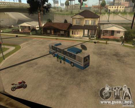 IKARUS 255 Tv para GTA San Andreas left