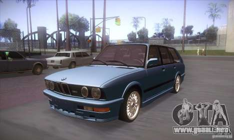 BMW E28 Touring para GTA San Andreas left