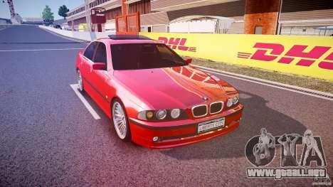 BMW 530I E39 stock chrome wheels para GTA 4 vista hacia atrás