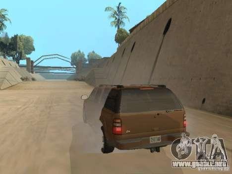 Chevrolet Suburban 2003 para GTA San Andreas vista hacia atrás