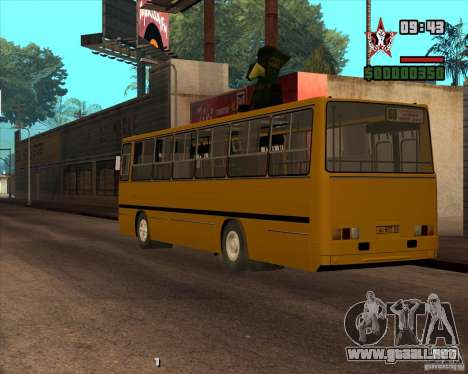 Ikarus 260.04 para GTA San Andreas left