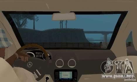 Mercedes-Benz GL500 para GTA San Andreas vista hacia atrás