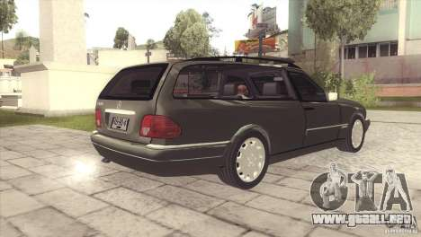 Mercedes-Benz E320 Funeral Hearse para la visión correcta GTA San Andreas