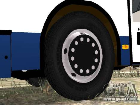 NEFAZ-5299 10-15 para GTA 4 ruedas