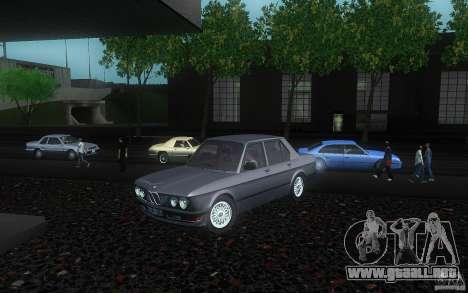 BMW E28 525e ShadowLine Stock para GTA San Andreas vista hacia atrás