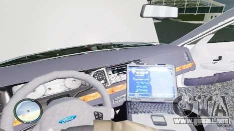 Ford Crown Victoria 2003 NYPD para GTA 4 vista interior