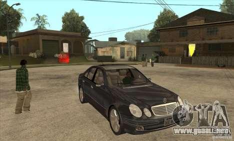 Mercedes-Benz E500 2003 para GTA San Andreas vista hacia atrás