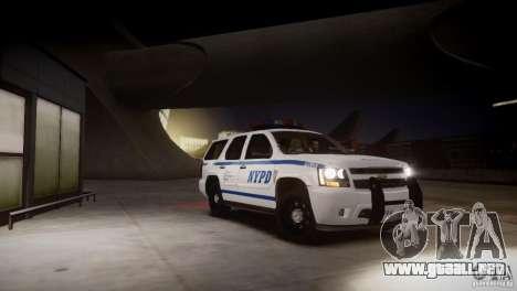 Chevrolet Tahoe 2012 NYPD para GTA 4 vista lateral