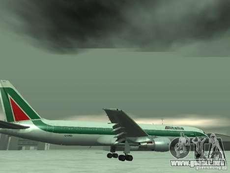 Boeing 767-300 Alitalia para GTA San Andreas interior
