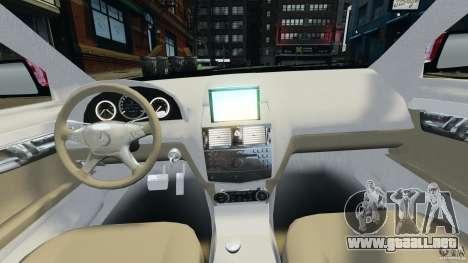 Mercedes-Benz C350 Avantgarde v2.0 para GTA 4 vista hacia atrás