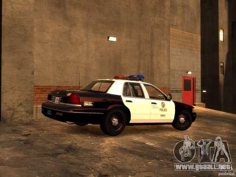 Ford Crown Victoria LAPD v1.1 [ELS] para GTA 4 Vista posterior izquierda