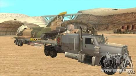 Flatbed trailer with dismantled F-4E Phantom para GTA San Andreas vista hacia atrás
