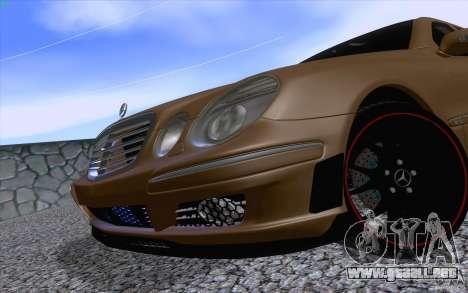 Mercedes-Benz E55 AMG para GTA San Andreas vista hacia atrás