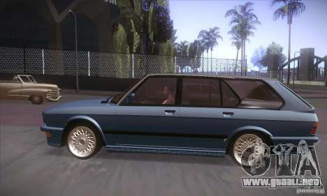 BMW E28 Touring para GTA San Andreas vista posterior izquierda