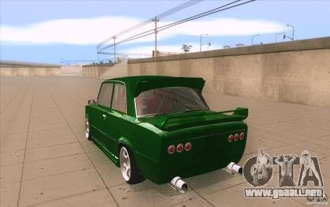 Deporte Lada VAZ-2101 para GTA San Andreas vista posterior izquierda