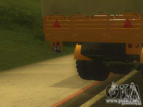Remolque MAZ 5205 para GTA San Andreas vista hacia atrás