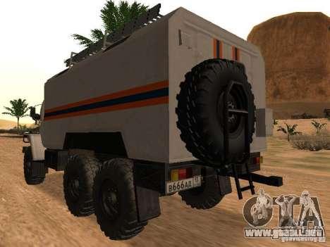 Ural 4320 MOE para GTA San Andreas left