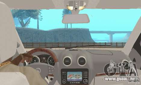 Mercedes-Benz GL450 para GTA San Andreas vista hacia atrás