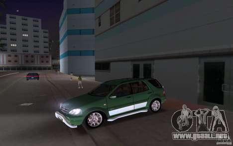 Mercedes-Benz ML55 Demec para GTA Vice City vista lateral izquierdo