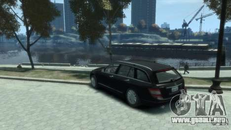 Mercedes-Benz C 280 para GTA 4 left