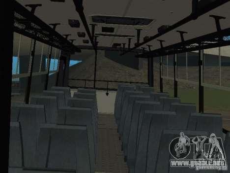Ikarus C60 para GTA San Andreas vista hacia atrás