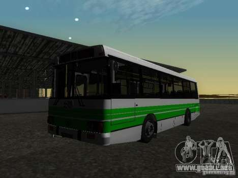 LAZ 42021 CWR para GTA San Andreas vista hacia atrás