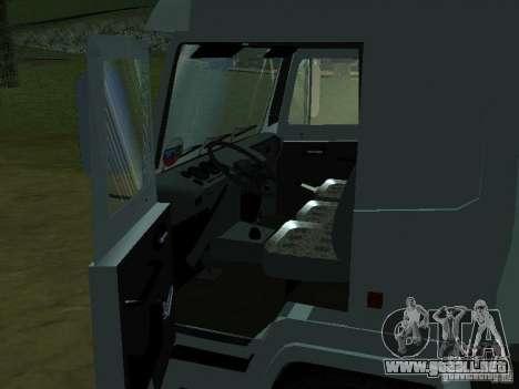 MAZ 5440 para GTA San Andreas vista hacia atrás