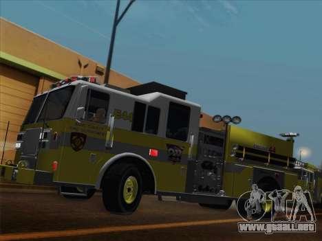 Seagrave Marauder II BCFD Engine 44 para GTA San Andreas left