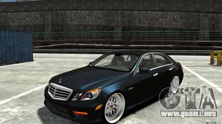 Mercedes Benz E36 AMG 2010 para GTA 4