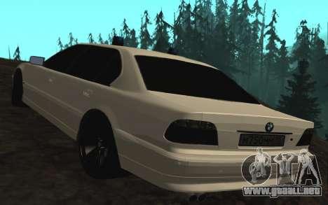 BMW 750iL E38 con luces intermitentes para GTA San Andreas vista posterior izquierda