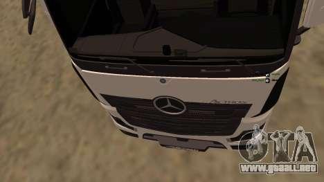 Mercedes-Benz Actros para GTA San Andreas vista hacia atrás