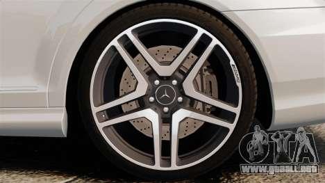 Mercedes-Benz S65 W221 AMG Stock v1.2 para GTA 4 visión correcta
