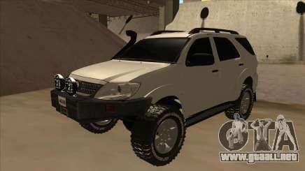 Toyota Fortunner 2012 Semi Off Road para GTA San Andreas