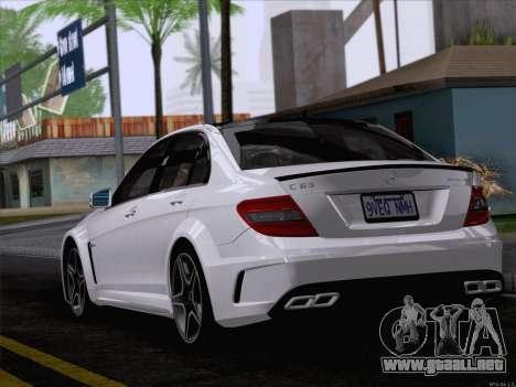 Mercedes-Benz C 63 AMG para GTA San Andreas left